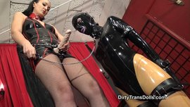Blowjob training for new rubber doll